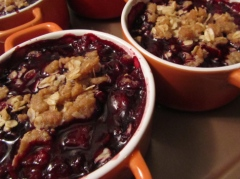blackberry-and-wine-crumble